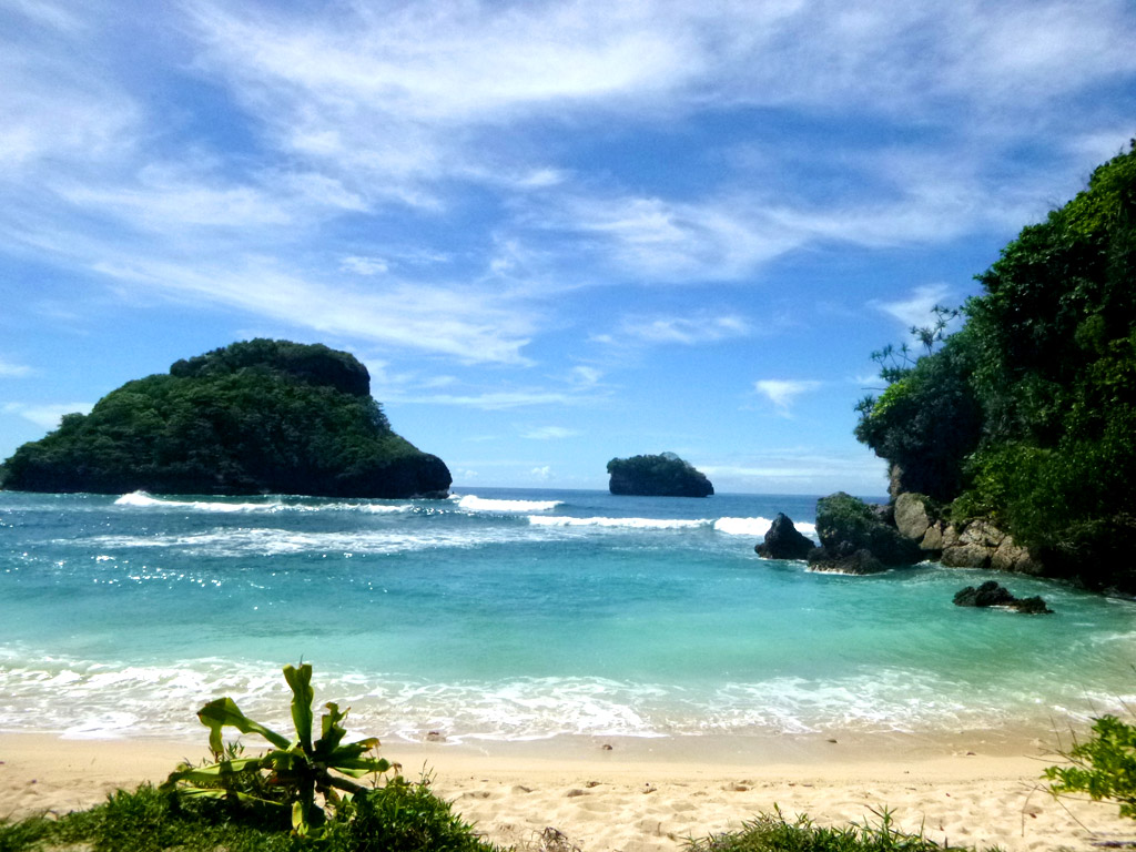 Shining Delight The Beauty Of Water Attractions Goa Cina Beach