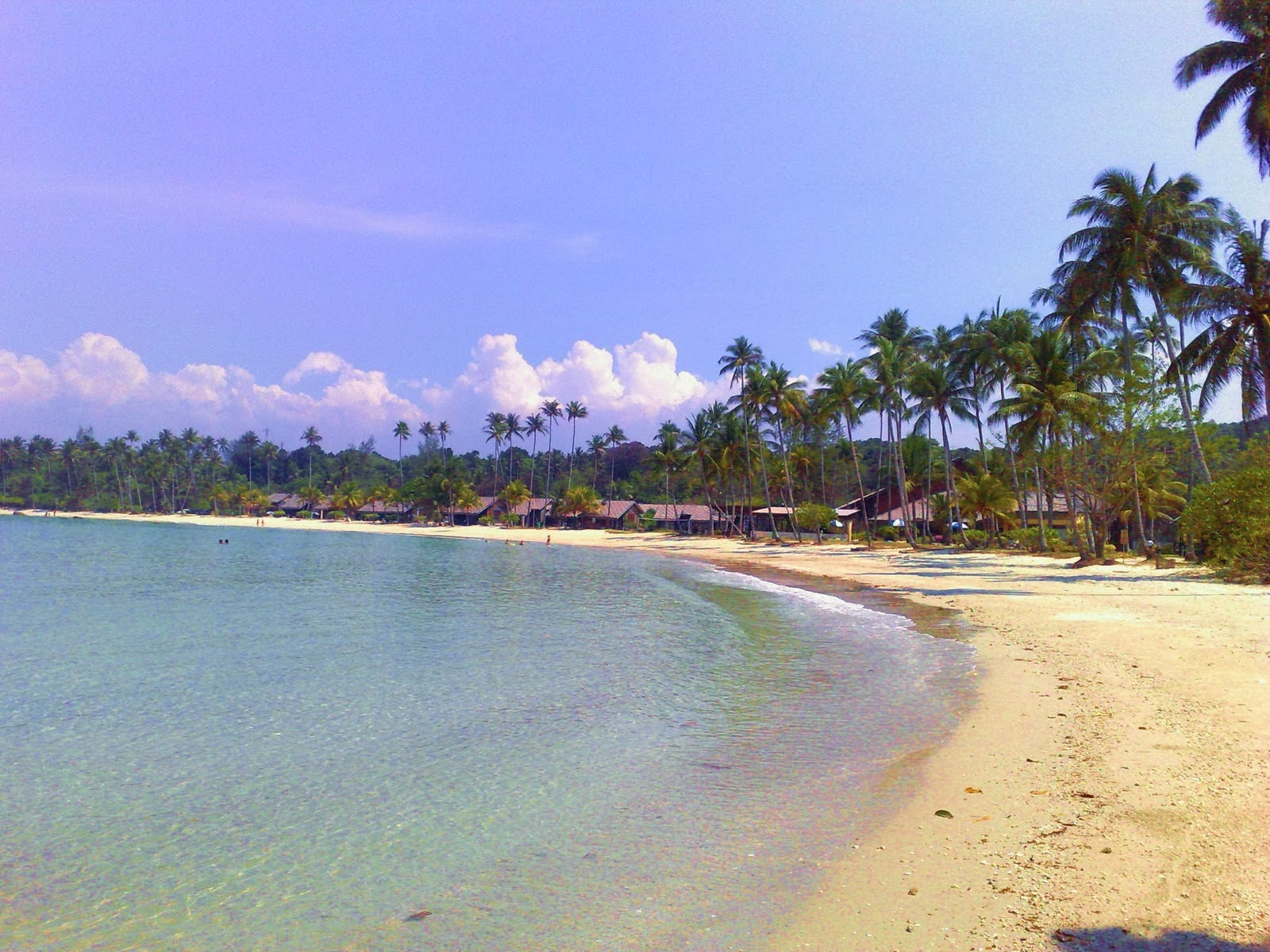 Pantai Lagoi Keistimewaan Pasir Putih di Kepulauan Riau