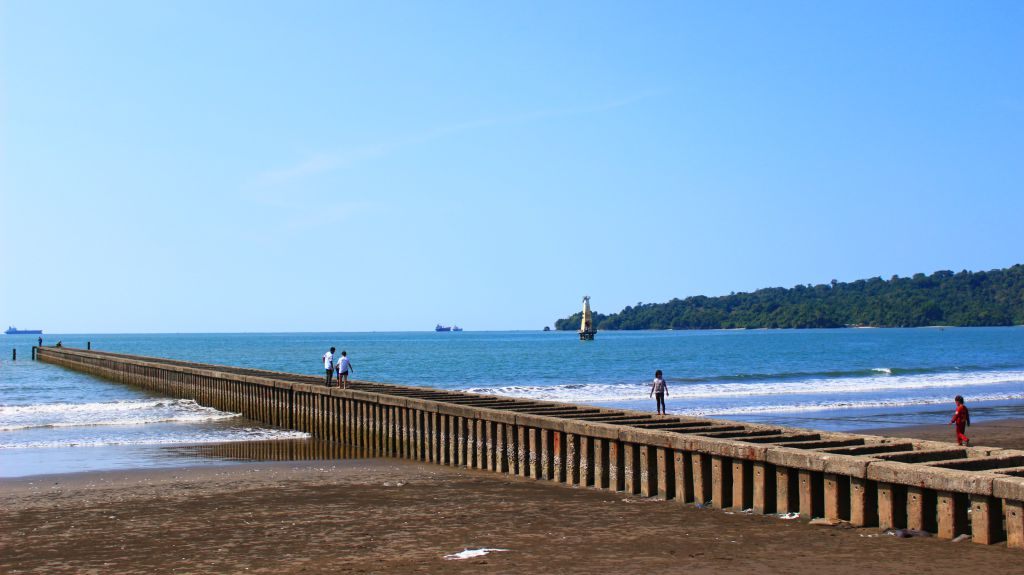 Image result for PANTAI TELUK PENYU