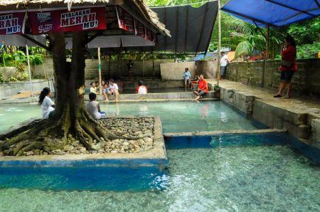 Pemandian Air Panas Tulehu Maluku