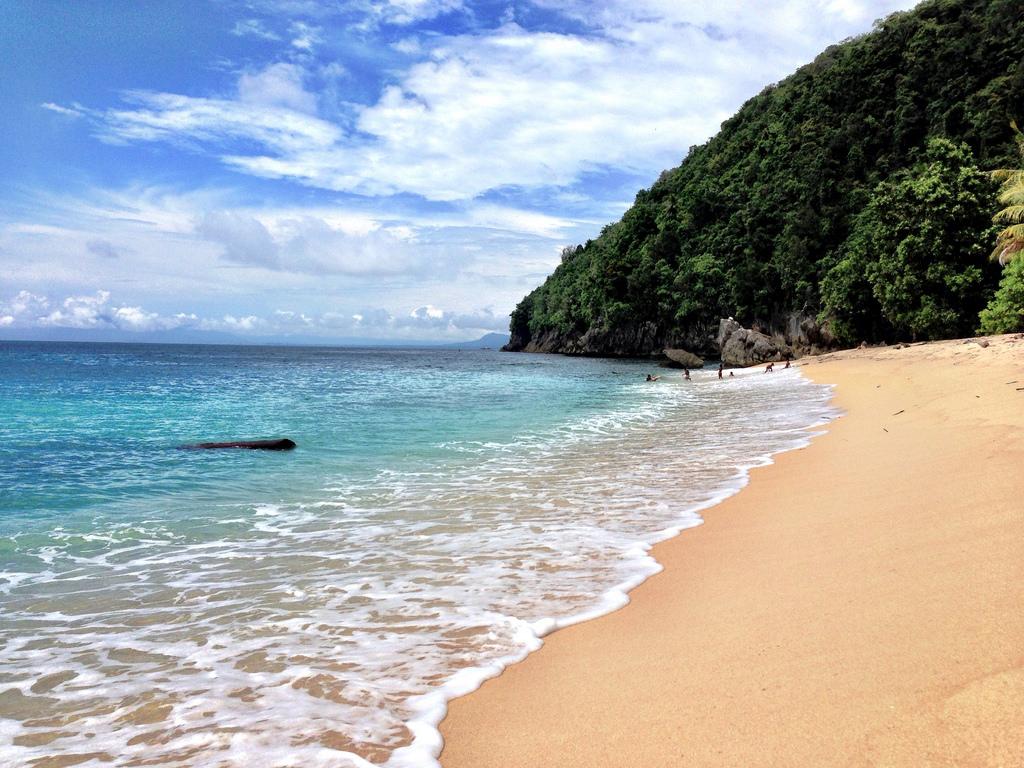 Pantai Base G Menikmati Keindahan Alam Pantai Di Papua Papua