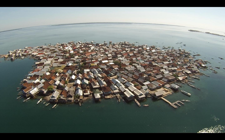 pulau bungin nusa tenggara barat keunikan pulau terpadat