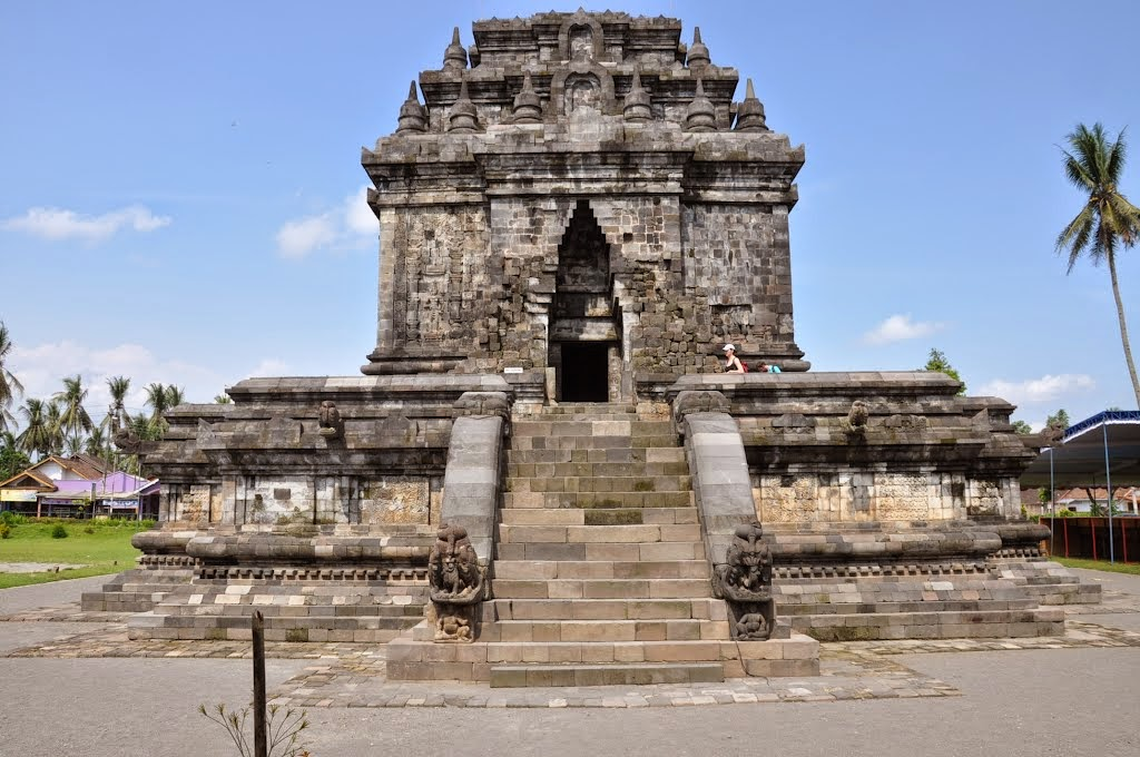Candi Mendut Sebuah Candi Bercorak Buddha di Jawa Tengah - Jawa Tengah