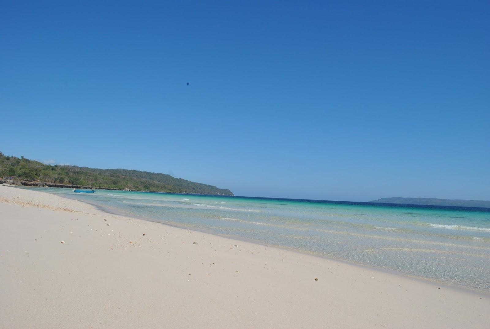 Pantai Nirwana Pesona Gradasi Warna Laut di Sulawesi Tenggara
