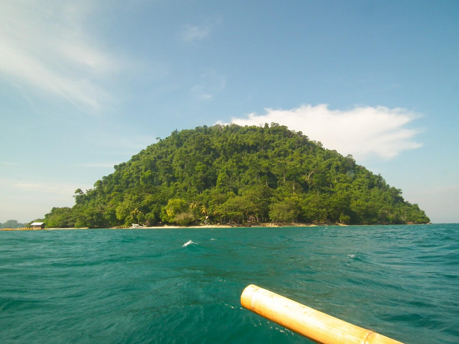 Pulau Condong Hamparan Pasir Putih Yang Asri Di Lampung Lampung