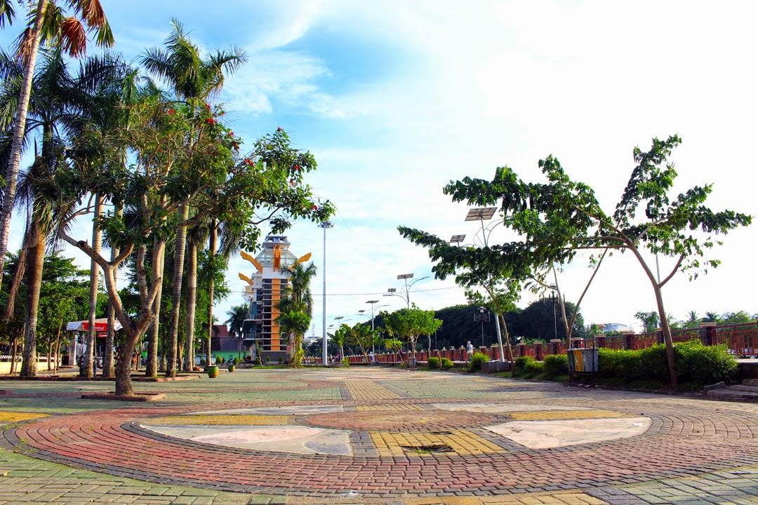 Taman Siring Sungai Martapura Destinasi Wisata Keluarga Baru