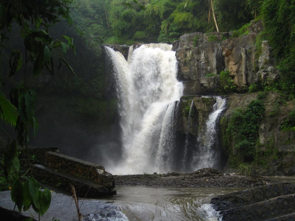 Air Terjun Tegenungan Wisata Indah di Gianyar Bali - Bali