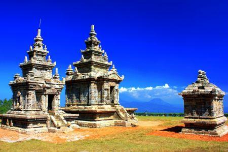 Candi Gedong Songo Wisata Mempesona di Jawa Tengah