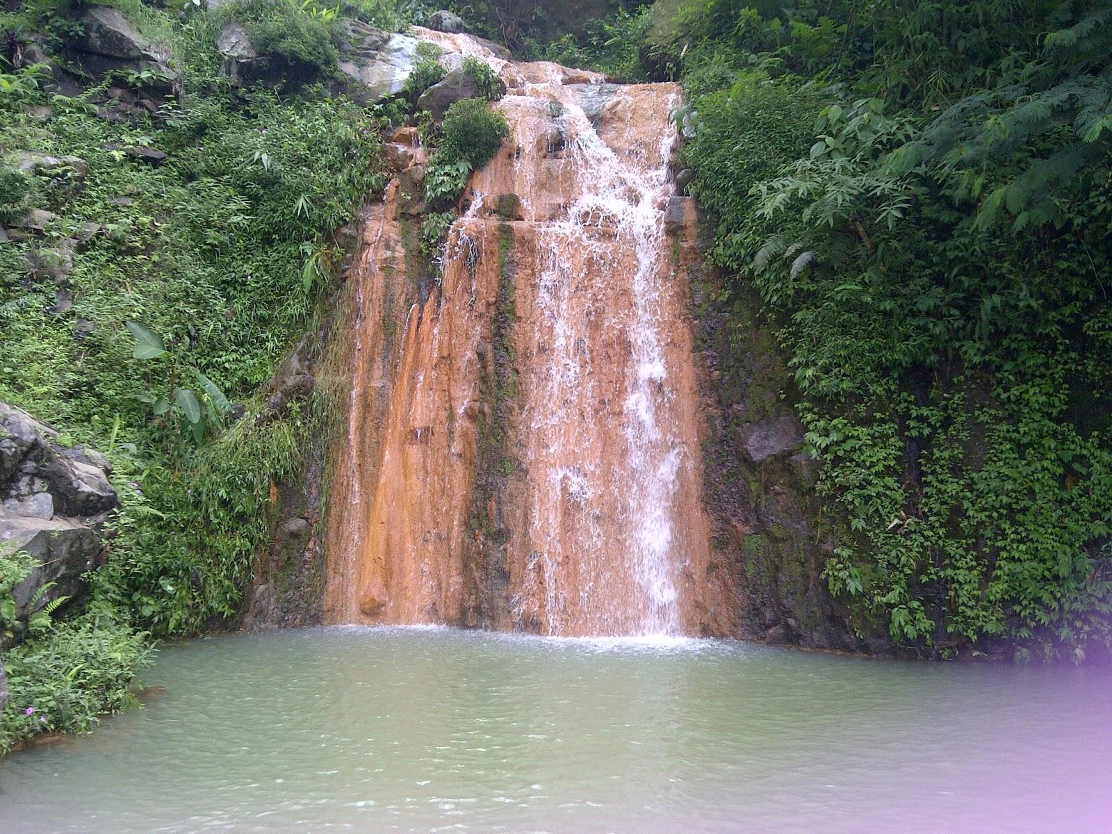 Air Terjun Klenting Kuning Keunikan Air Terjun Berwarna Kuning di Jawa Tengah