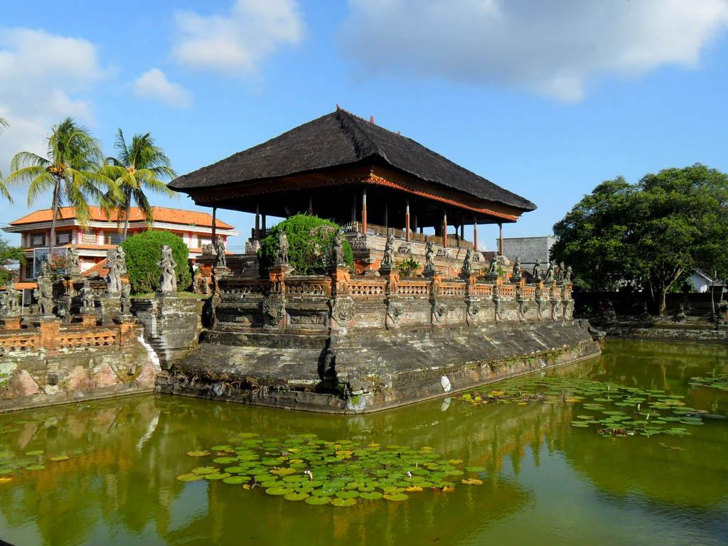 Paket Tour Bali Barong Dance Ubud Kerta Gosa Taman Ujung 4 Hari