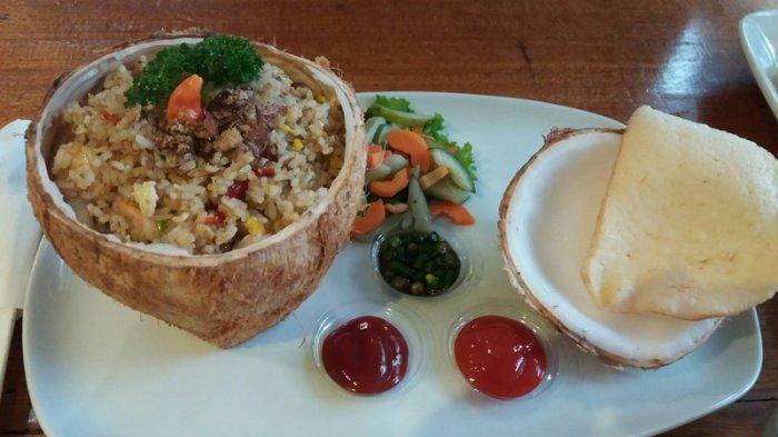 Nasi Goreng Campur Kelapa Muda Yang Unik Di Bandung