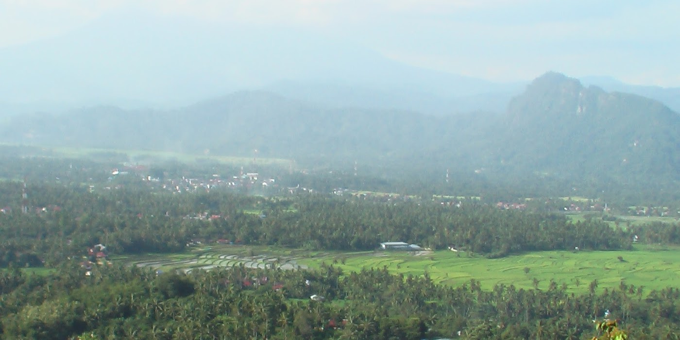 bukit shaduali sumatera barat - 5 Tempat Wisata Eksotis di Sumatera Barat