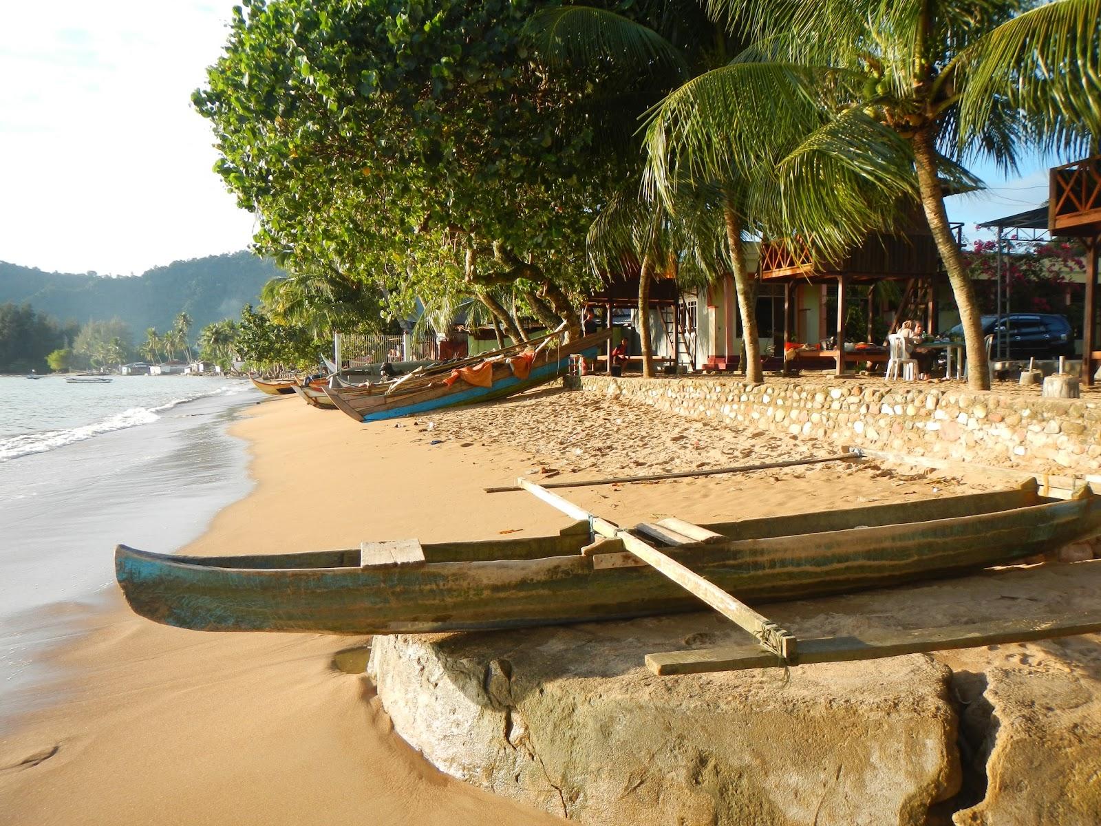 pantai bungus sumatera barat - 5 Tempat Wisata Eksotis di Sumatera Barat