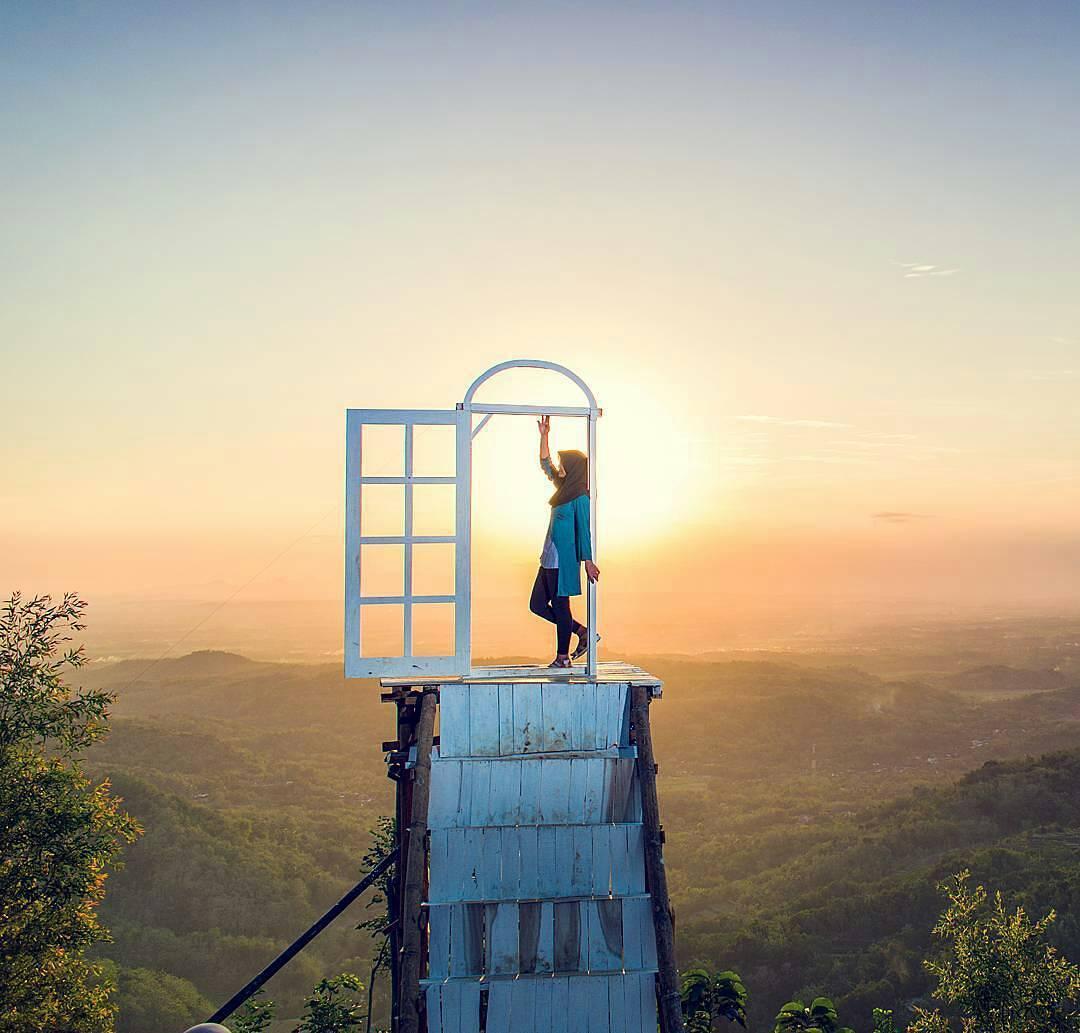 Pintu Langit Dahromo Sensasi Berbeda Menikmati Alam
