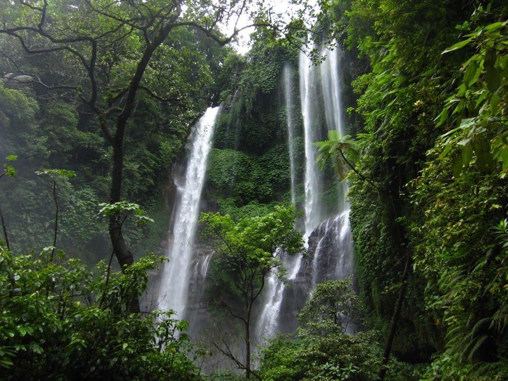 Air Terjun Cunca Rami Nusa Tenggara Timur
