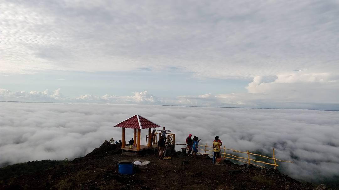 Puncak 4g Negeri Atas Awan Di Yogyakarta Yogyakarta