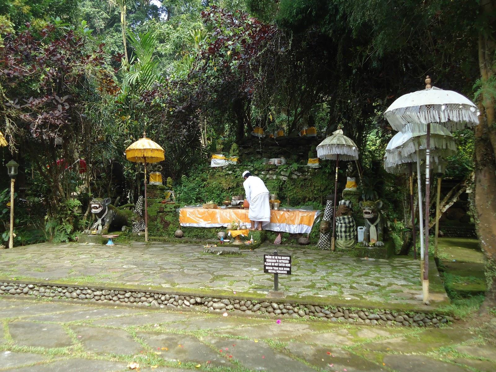 pura luhur besikalung bali - 5 Tempat Wisata Favorit di Bali