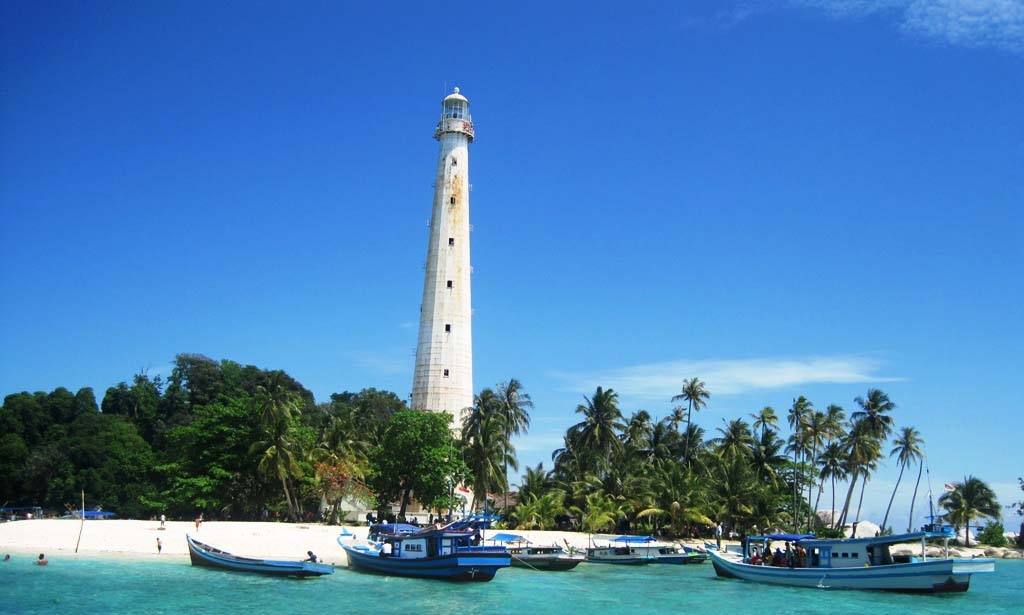 pulau lengkuas tempat wisata indah di kepulauan bangka