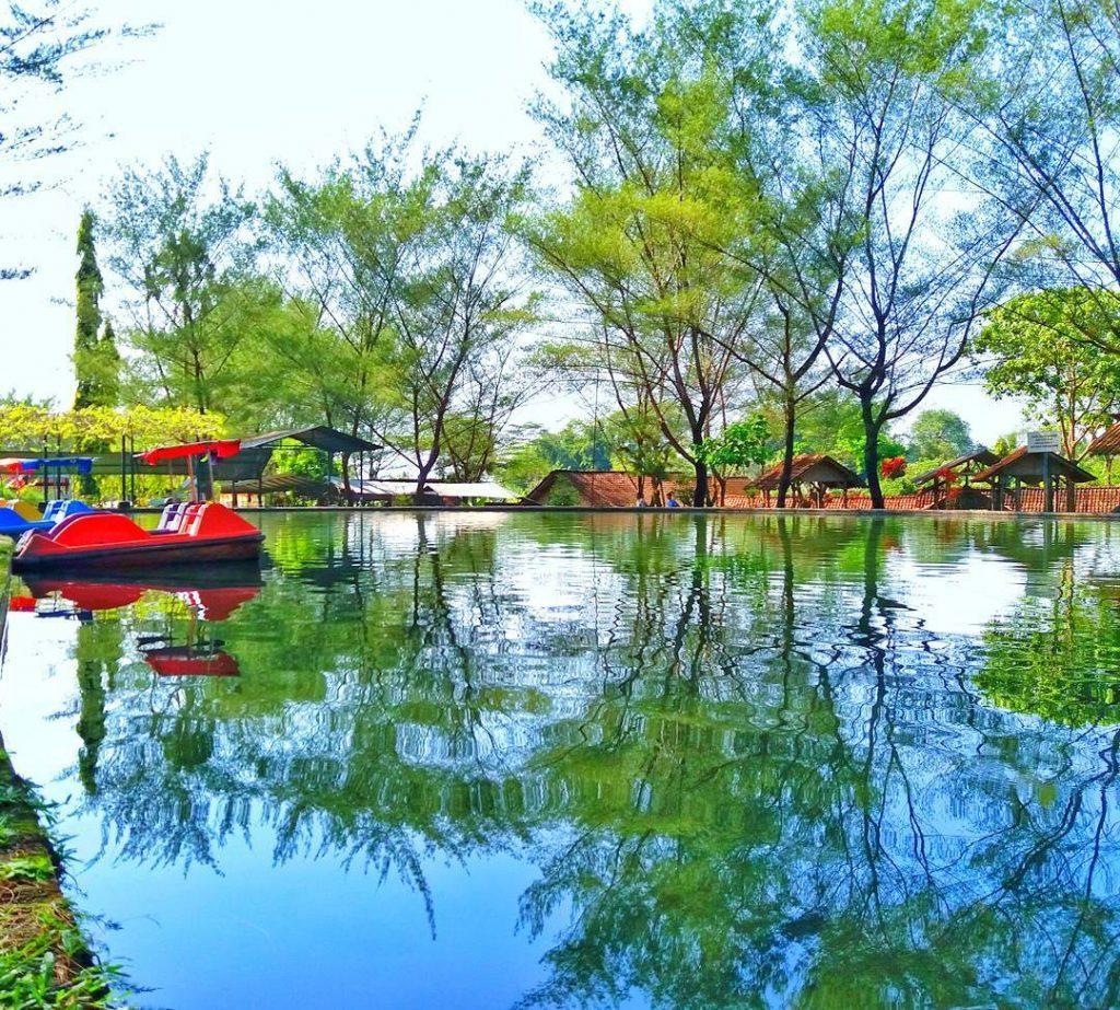 Taman Air Tlatar Wisata Sekaligus Pendidikan di Boyolali Jawa