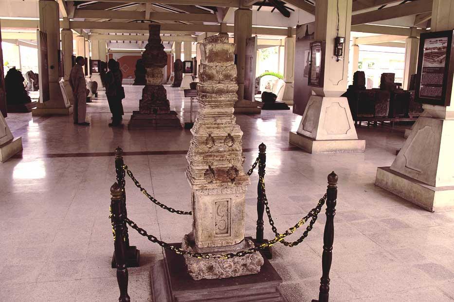 Melihat Koleksi Sejarah Majapahit di Museum Trowulan - Jawa Timur