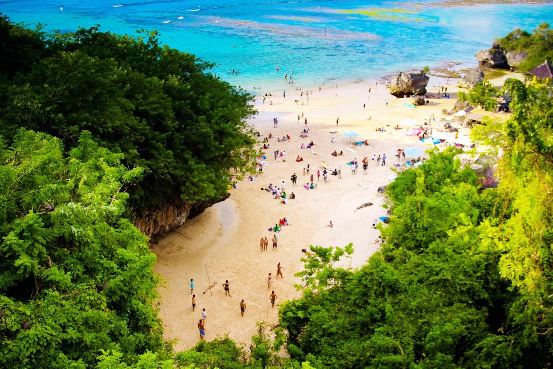 Pantai Padang-Padang Keindahan di Balik Tebing - Bali