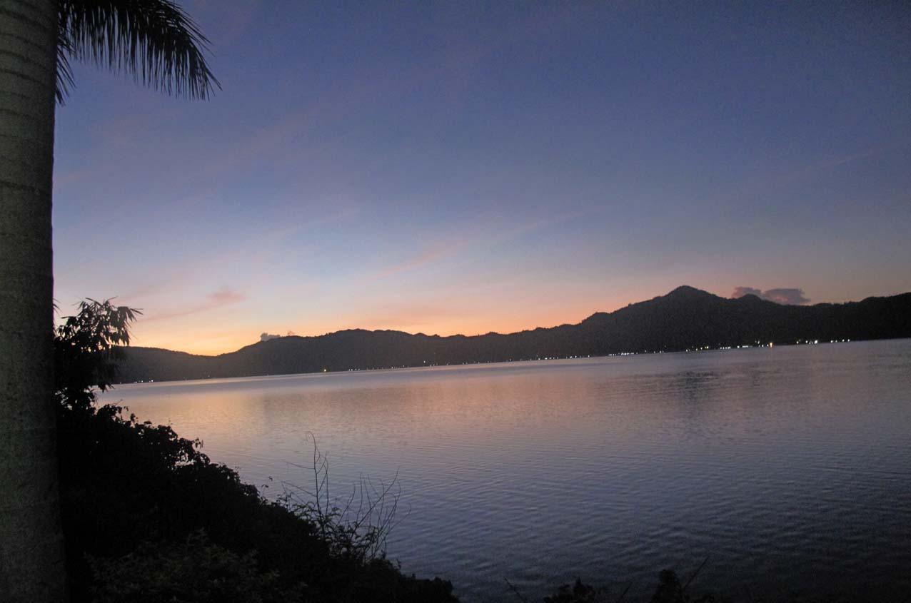 danau tondano sulawesi utara dengan alam pegunungannya sulawesi utara