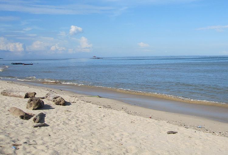 Pantai Tanah Kuning Kalimantan Utara