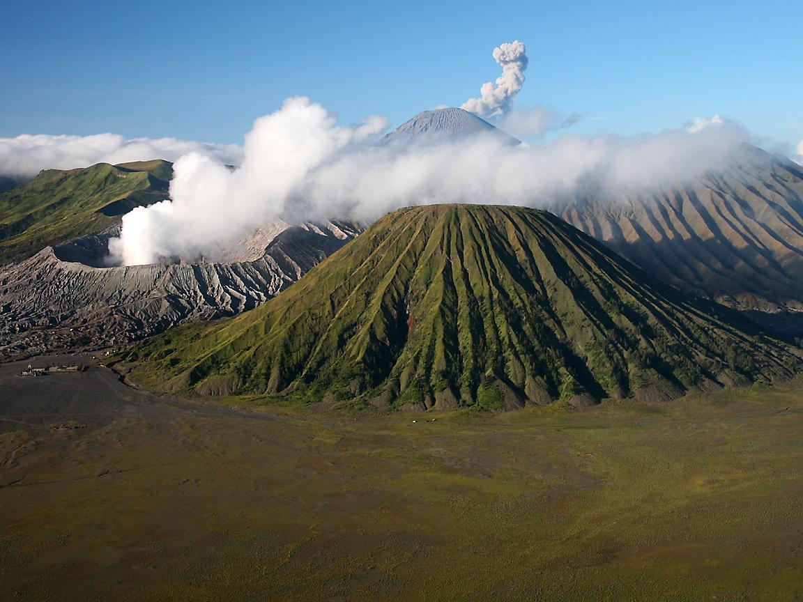 Gunung Bromo Indahnya Kawah Dan Sunset Di Jawa Timur Jawa Timur