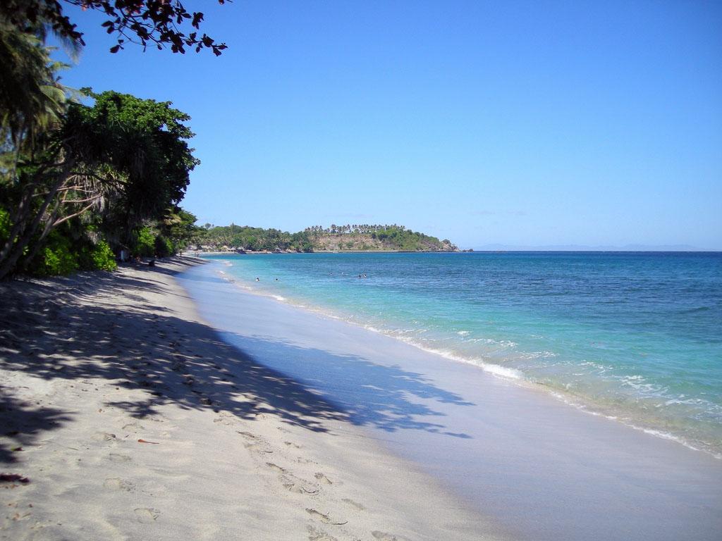Pantai Senggigi Nusa Tenggara Barat