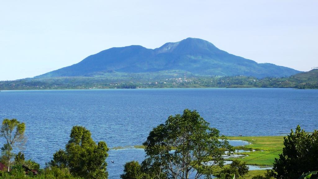 Wisata Danau Singkarak